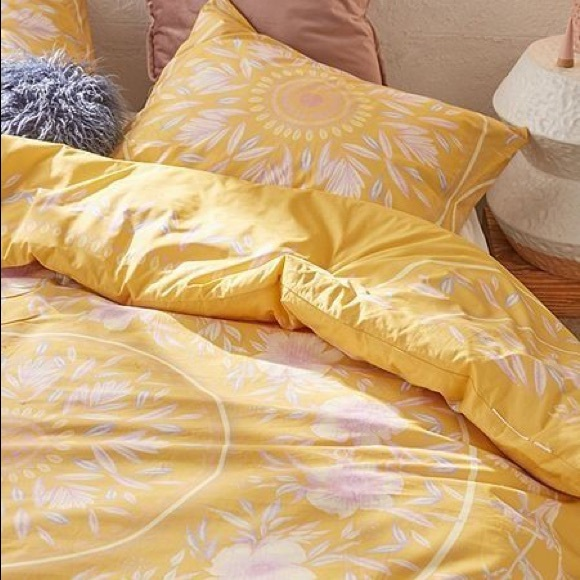 Urban Outfitters Other Twin Xl Comforter Poshmark